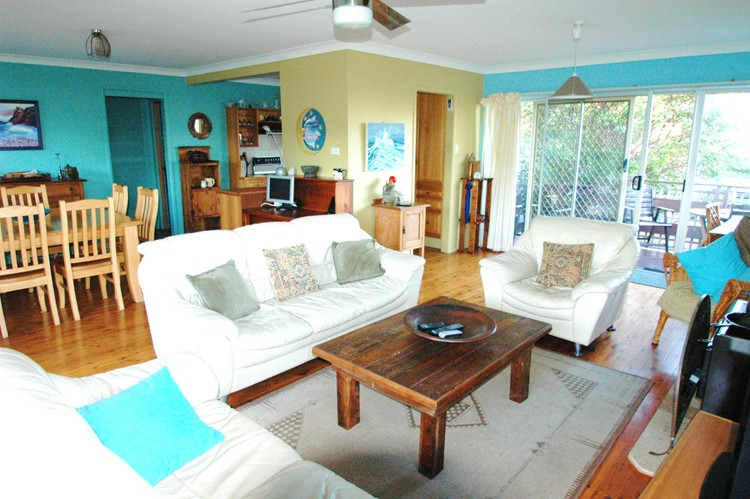 Buena Vista beach house holiday rentals at Nambucca Heads, NSW